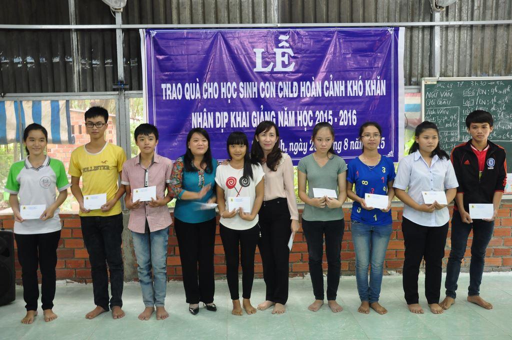 Lễ Trao Quà Cho Học Sinh Nghèo 2015 – 2016